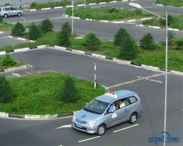 đào tạo lái xe hạng b2 licogi vse1
