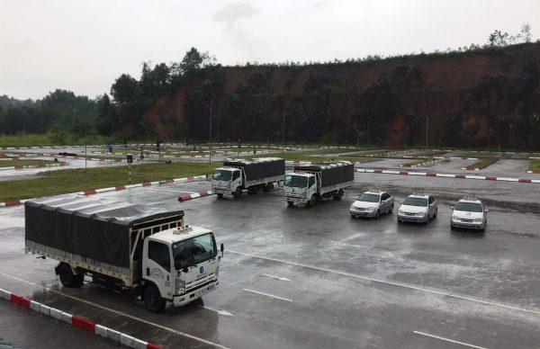 học lái xe tải tại sân quận hai bà trưng